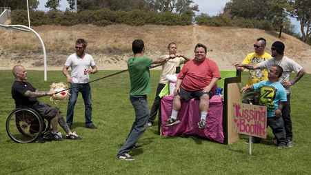 jackass_3_5_hi-res_still_03_-_254